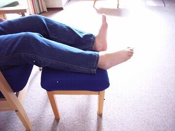 足のしびれむくみ解消とオットマン